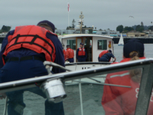 Joint Towing Exercise with Monterey Flotilla 6-4 - trnmont1.jpg - 39520 Bytes